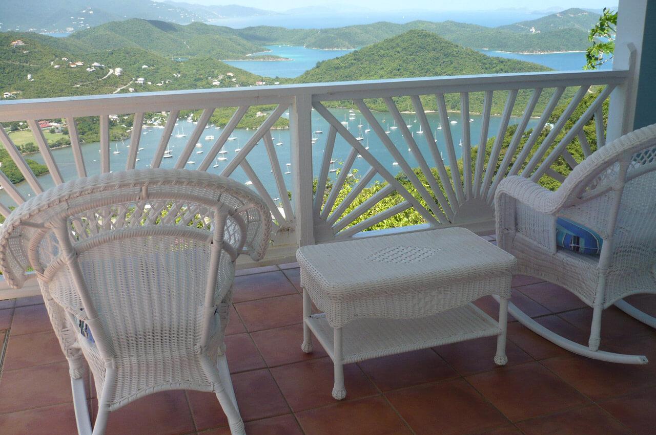 Lower Porch off Queen Bedrooms